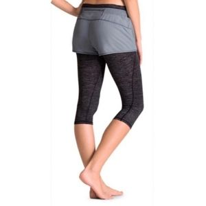 Athleta Blue 2 in 1 Kicker Capri Legging Shorts
